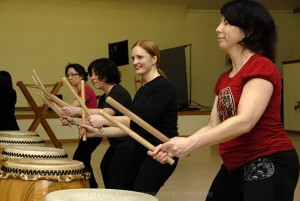 happy taiko players